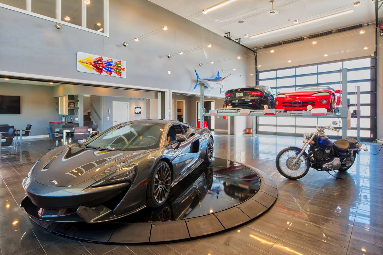 BIR Luxury Garages